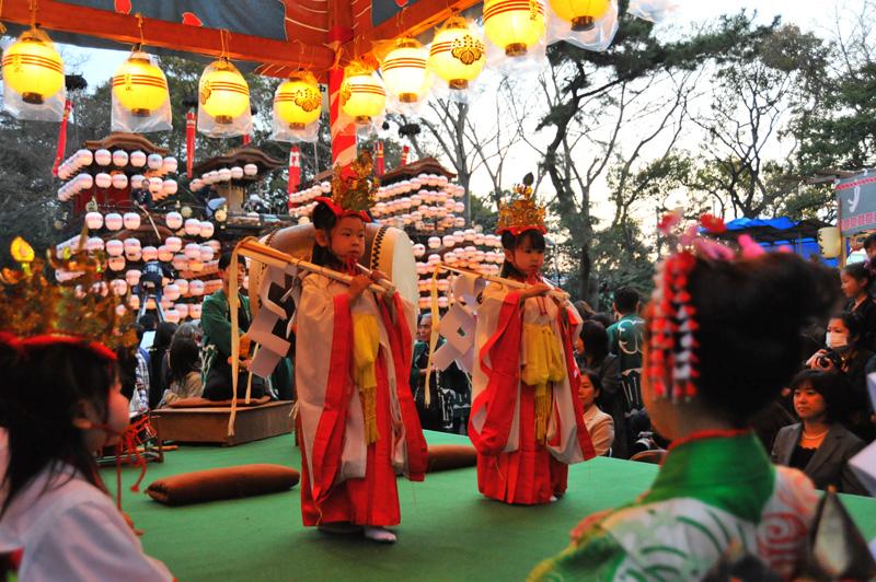 成岩三区の巫女舞 3
