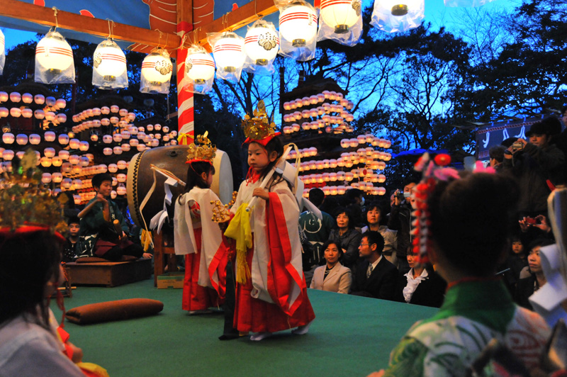成岩三区の巫女舞 6