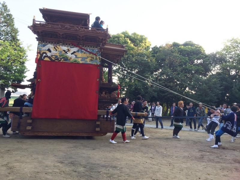 神社へ横社が打ち込まれました