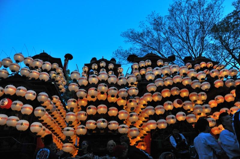 提灯が付きました。成岩神社-1