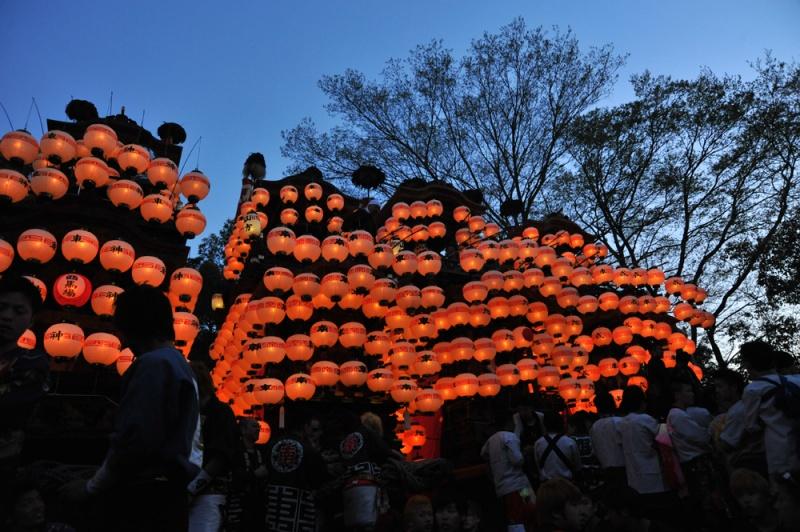 提灯が付きました。成岩神社-2